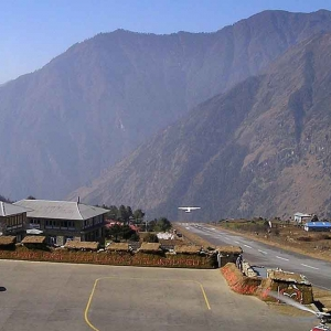 Heli Tours - THE LUKLA VILLAGE & KHUMBU REGION